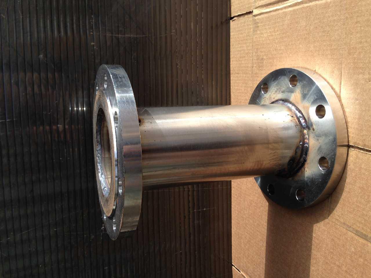 Компенсатор фланцевый с проточной частью из нержавеющей стали